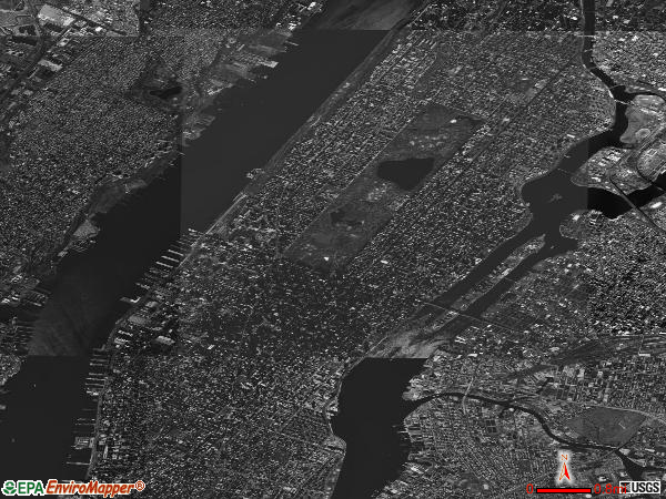 Manhattan satellite photo by USGS