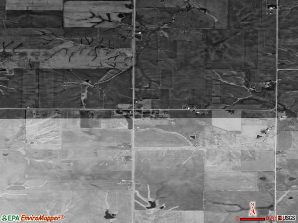 Le Roy satellite photo by USGS